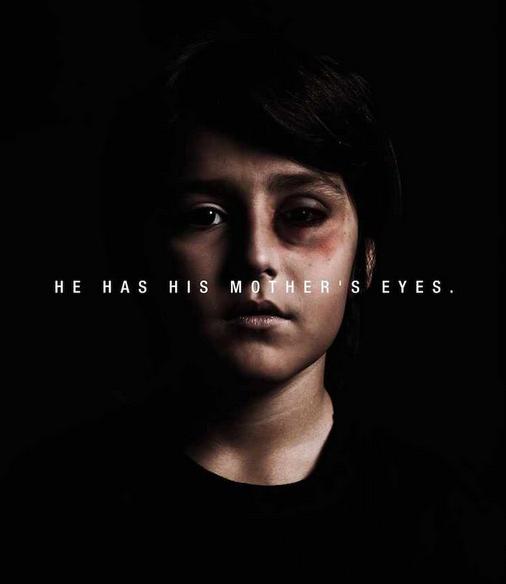23. Annesinin gözlerini almış.